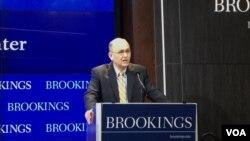 美國財政部次長內森·希茨布魯金斯學會參加座談。(美國之音葉林拍攝)