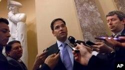 美國參議員魯比奧 (Marco Rubio)在國會山回答記者問題