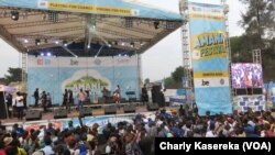 Un concert lors de la 4e édition du festival Amani à Goma, en RDC, le 12 février 2017. (VOA/Charly Kasereka)