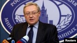 Deputi Menteri Luar Negeri Rusia Sergei Ryabkov berbicara di Moskow (foto: dok).