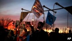 Aktivisti protestuju ispred kongresa o klimatskim promenama u Madridu, 14. decembra 2019. Generalni sekretar UN upozorio je da bi neuspeh u borbi protiv globalnog zagrevanja mogao da dovede do ekonomske katastrofe.