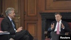 El presidente de Colombia, Juan Manuel Santos, se reunió recientemente con el subsecretario de Estado para Asuntos Políticos de EE.UU., William Burns, y sostuvieron un diálogo de alto nivel sobre las relaciones entre ambos países.