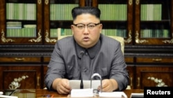Pemimpin Korea Utara Kim Jong-un memberikan pernyataan di Pyongyang (22/9).