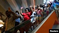 9月21日民眾逃離內羅畢的西門商場