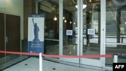 美国华盛顿州的一座国土安全部与移民局办公楼因新冠疫情而关闭。(2020年3月3日)