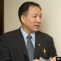 西藏流亡政府官员达瓦次仁(资料照)