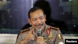 Kapolri Badrodin Haiti memberikan keterangan kepada media di Markas Besar Kepolisian RI di Jakarta (16/1).