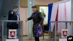 Избирательный участок в Симферополе