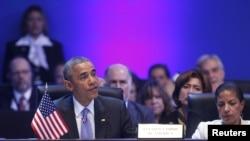 오바마 대통령이 11일 파나마시티에서 열린 제7차 미주기구 (OAS) 정상회의에서 연설하고 있다.