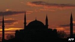 Istanbuldagi Avliyo Sofiya ibodatxonasi