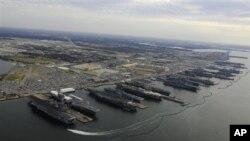 Pembatalan kontrak-kontrak pemeliharaan 11 kapal yang berbasis di Norfolk, Virginia, telah menyebabkan kerugian pada perusahaan-perusahaan yang mengadakan kontrak seperti Davis Interiors (foto: Dok).