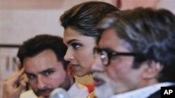 หนังฮอลิวู้ดแห่เข้าไปถ่ายทำในอินเดียแต่หนังบอลลิวู้ดของอินเดียกลับนิยมไปถ่ายทำเมืองนอก