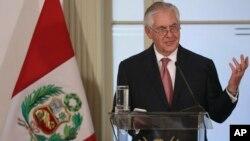 El secretario de Estado, Rex Tillerson, habla durante una conferencia de prensa en la cancillería peruana, el lunes 5 de febrero.