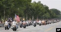 Cuộc diễu hành bằng mô tô kỷ niệm ngày Chiến sĩ Trận vong ở Washington, 29/5/2011 (AP Photo/Manuel Balce Ceneta)