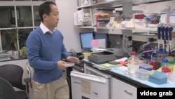 趙立安在實驗室
