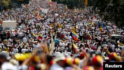 2014年2月22日委内瑞拉数以万计的反政府抗议者走上街头