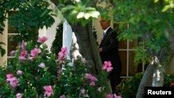 El presidente Barack Obama prometió en 2010 que instalaría paneles solares en la mansión presidencial.