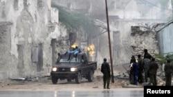 Tentara pemerintah Somalia dalam sebuah serangan terhadap al-Shabab di Mogadishu (31/8).