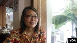 Bà Doãn thị Ngọc, một nhà nghiên cứu về giới tính, nói rằng Việt Nam cần có một đường lối toàn diện hơn để giải quyết vấn đề bình đẳng giới tính