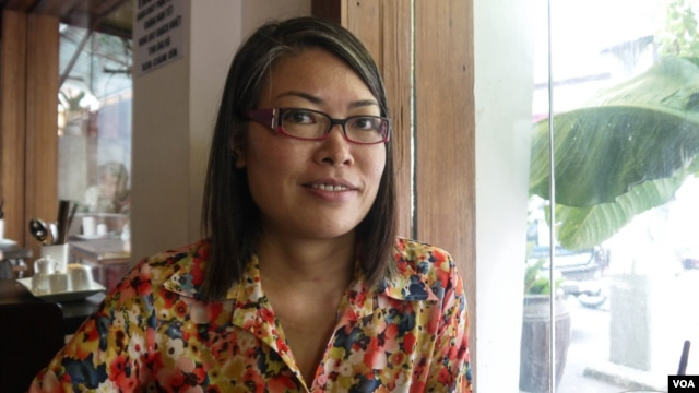 Gender researcher Doan Thi Ngoc says Vietnamese continue to believe women must have a son. (VOA - L. Hoang)