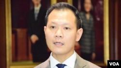 香港法律界立法會議員、特首選委郭榮鏗 (美國之音湯惠芸拍攝)