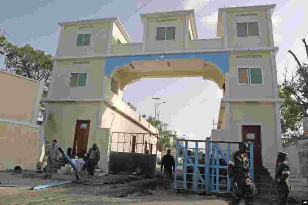 Albaabka weyn ee laga galo madaxtooyada, Mogadishu, July, 9, 2014.