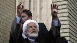 مهدی کروبی، از رهبران مخالفان دولت به همراه میرحسین موسوی، خواستار برگزاری راه پیمایی در حمایت از مردم تونس و مصر در ۲۵ بهمن شده است