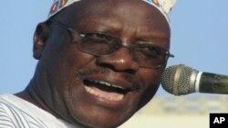 Profesa Ibrahim Lipumba kiongozi wa chama cha upinzani CUF Tanzania.