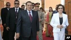 Ο Πρόεδρος Μουμπάρακ με την σύζυγο του