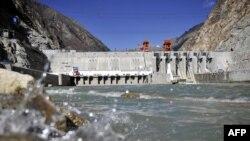 西藏的藏木水电站(2014年11月23日)