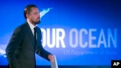 El actor Leonardo DiCaprio habla durante el segundo día de la conferencia 'Nuestro Océano'.