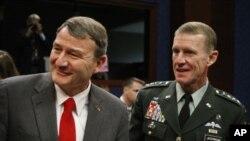 آیکنبری: تغییر فرد تغییر استراتیژی امریکا در افغانستان نیست