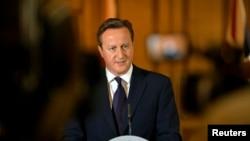 데이비드 캐머런 영국 총리가 14일 영국인 참수 사태에 관한 기자회견을 하고 있다.
