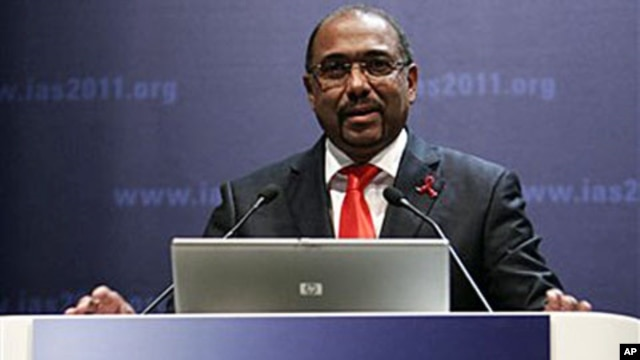 Michel Sidibe, head of the United Nations AIDS agency, speaks at a conference on HIV/AIDS in Rome , (File)