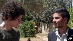 Кадр из фильма «Другой сын» Йосеф (Жюль Ситрук) и Ясин (Медхи Дехби). «Другой сын» Courtesy Cohen Media Group