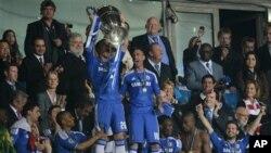 Tim Juara Liga Champions, Chelsea kini berada di posisi ketiga Liga Premier di belakang Manchester United dan Manchester City (foto: dok).