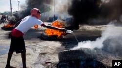 Manifestantes en Haití exigen la salida del presidente Moise.