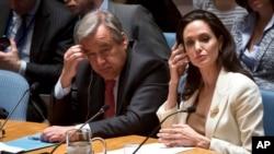 La enviada especial para los refugiados, Angelina Jolie, se presenta ante el Consejo de Seguridad de Naciones Unidas.