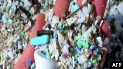 Nhiều rác rưởi bằng plastic trôi trên biển