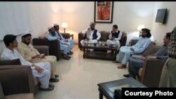 دھرنے کے شرکا کے نمائندوں اور حکام کے درمیان جمعرات کو مذاکرات ہوئے تھے۔