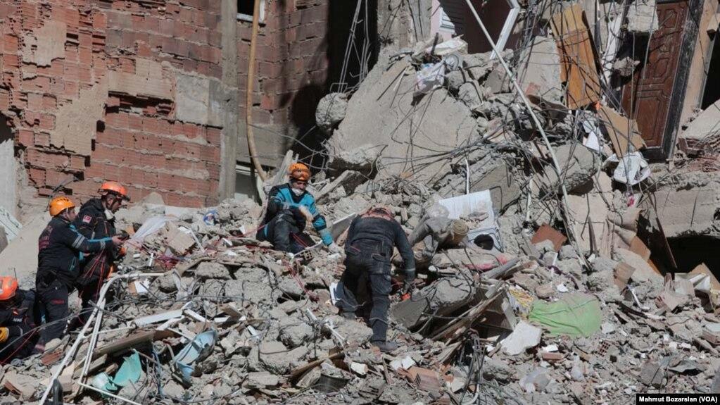 Nhà cửa đổ nát trong trận động đất mạnh ở tỉnh Elazig của Thổ Nhĩ Kỳ hôm 24/1/2020.
