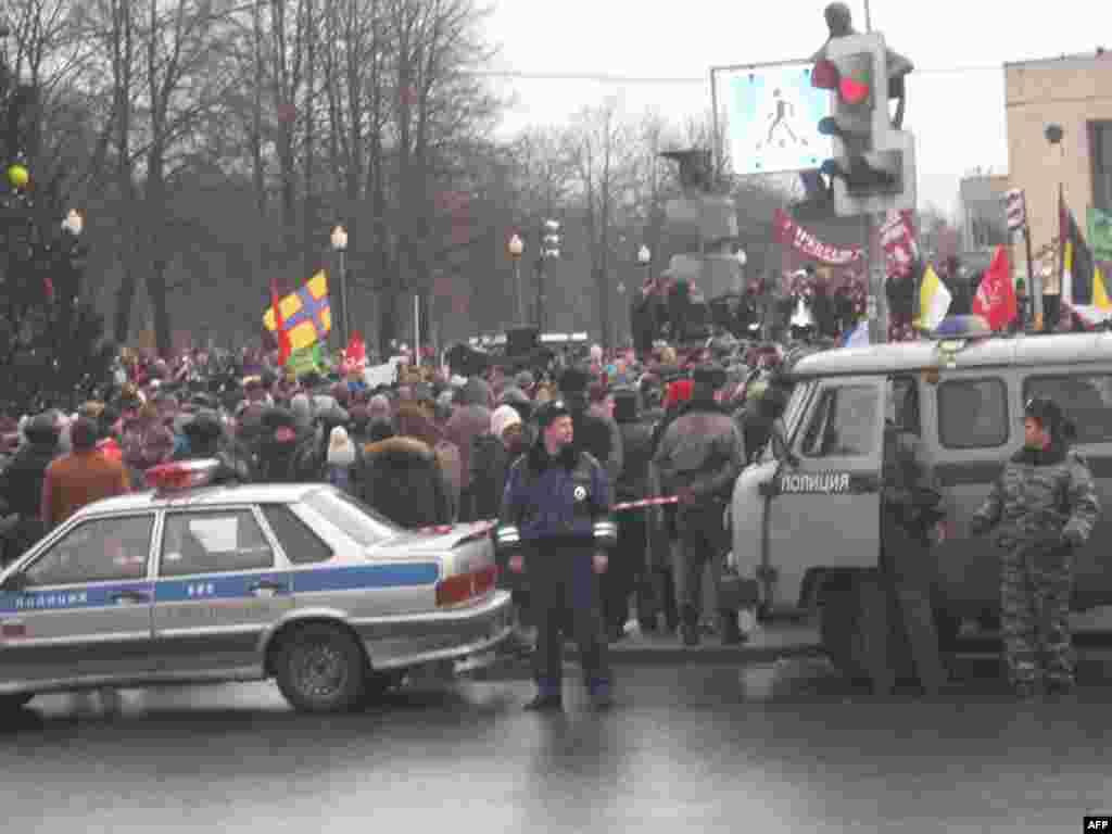 Санкт-Петербург: 10 тысяч требуют перевыборов