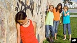 Anak-anak yang di-bully bisa mengalami penderitaan sosial dan emosional (foto: ilustrasi).