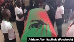Urna com restos mortais de Jonas Savimbi