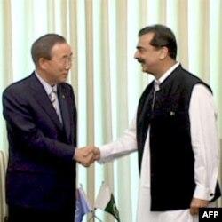 联合国秘书长潘基文星期天与巴基斯坦总理吉拉尼举行会谈
