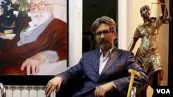 مصطفی دانشجو، وکیل دادگستری و از دراویش گنابادی زندانی- عکس آرشیوی