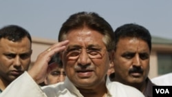 Pervez Musharraf (au c.) -Archives