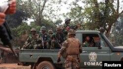 지난해 12월 유혈 분쟁을 겪고 있는 중앙아프리카 수도 방기에 파견된 다국적군의 모습.