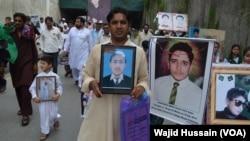 Hình ảnh các nạn nhân của vụ tấn công trường học ở Pashawar.