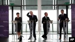 Walikota Florence dan bintang politik Italia Matteo Renzi (kanan), bersama bekas walikota New York Michael Bloomberg, walikota London Boris Johnson, dan walikota Warsawa Hanna Gronkiewicz-Waltz dalam pertemuan di London.